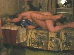 Gençleri neredeyse kanepede lanet yakalanma