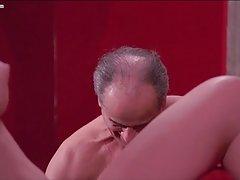 Japon ev kadını kocası üzerinde hileler